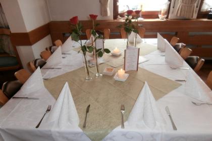 Fest Tafel Weiß, Familien Feier Württemberg, Restaurant Weißenstein